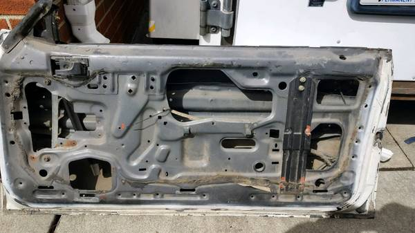 Photo 79-86 Mustang T-Top Doors - $150 (memphis michigan)
