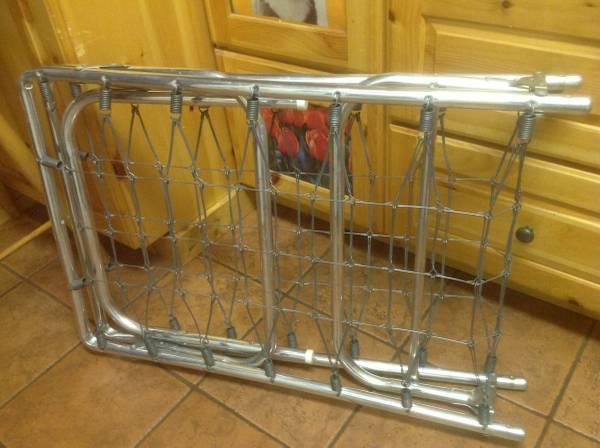 Photo Aluminum folding cot bed - $20 (Port Huron)