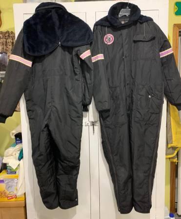 Photo Arctic Cat Snowmobile Suit - Vintage - $25 (Riley Township)