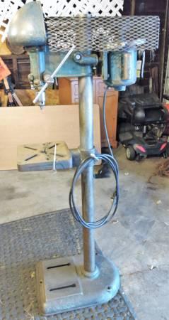 Photo Delta Drill Press DP-220 Milwaukee Rockwell RARE 1950 - $250 (Port Huron)