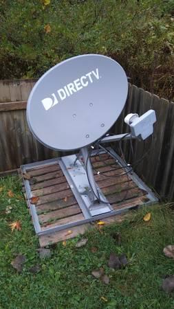 Photo DirecTV Dish - $100 (SMITHS CREEK)