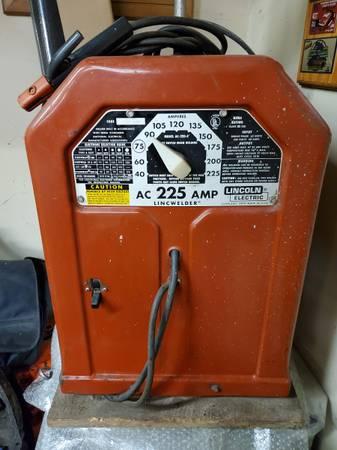 Photo Lincoln Arc Welder AC-225 - $175 (SAINT CLAIR)