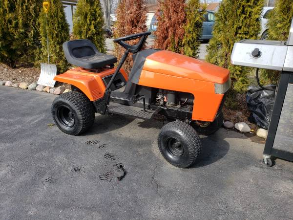 Photo Simplicity-Regent series lawn tractor - $400 (East China)