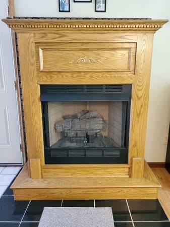 Photo Ventless gas fireplace - $300 (Saint Clair, Mi)