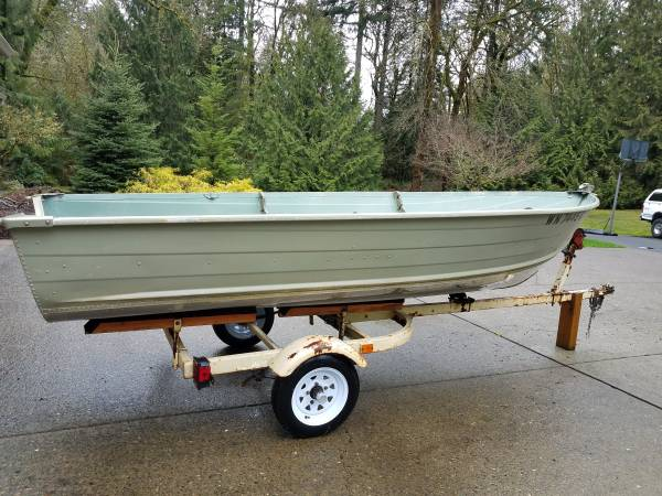 Photo 14 ft. Aluminum Boat with Trailer - $1400 (Vancouver)
