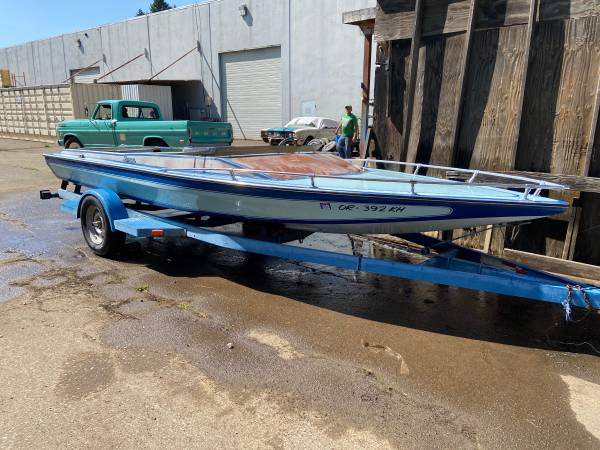 Photo 1978 Omega 190 Jet Boat project needs 429 or 460 wtrailer SELLTRADE - $1,750 (NE Vancouver WA)