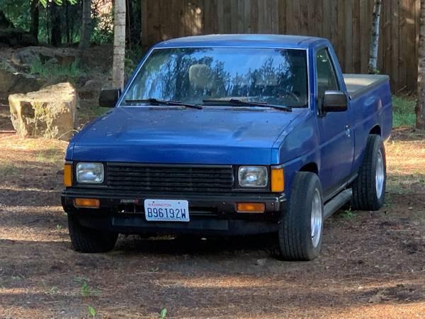 Photo 1986.5 Nissan Hardbody V8 truck - $7,000 (Trout Lake Washington)