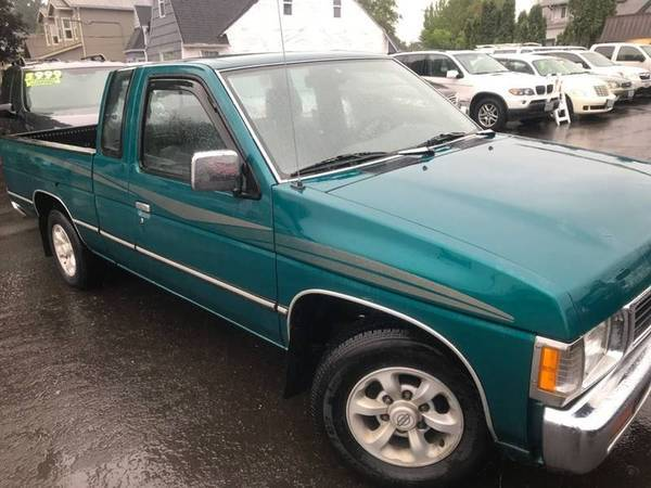 Photo 1997 Nissan Hardbody Extracab Truck LOW MILES 1 OWNER EASY FINANCING - $4999 (CHUCK WISE MOTORS NEW 2ND LOCATION 1026 SE 82ND AVE)