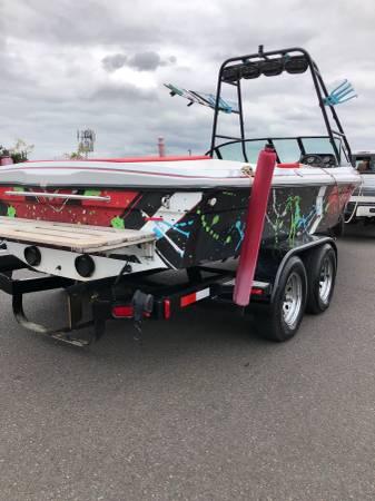 Photo 1999 Ski Sanger 21 tow boat - $16900 (Pdx)