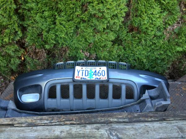 Photo 2002 Jeep Grand Cherokee Limited front bumper covers - $100 (SW Portland)