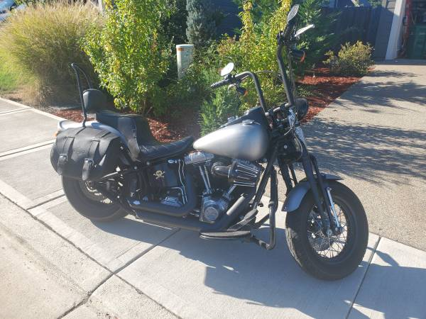 Photo 2008 Custom Harley Davidson Softtail Crossbones - $12,500 (Scappoose)