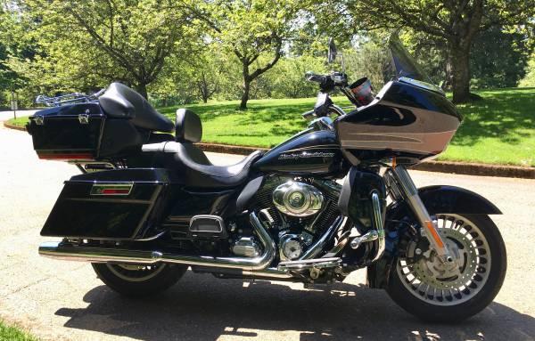 Photo 2013 Harley Davidson Road Glide Ultra - $12,500 (PORTLAND)