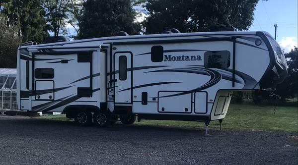Photo 2014 Montana 5th Wheel - $39,500 (Estacada)
