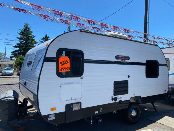 Photo 2014 retro awesome little trailer has a complete walk around down - $19,900 (Portland)