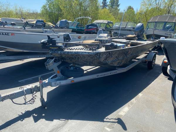Photo 2015 Ranger 176 W Yamaha 70 - $18995 (Loaded boat in great shape)