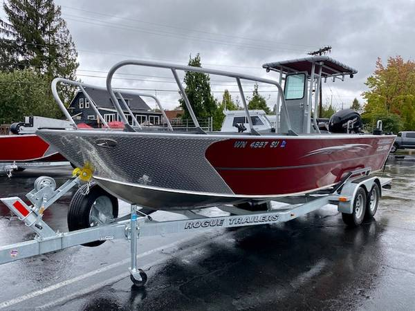Photo 2020 2339 Alumaweld Columbia Center Console - this boat has it all - $67,995 (Tigard)