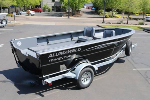 Photo 2021 1839 Alumaweld Adventurer - $30,735 (Get your Boat Show deal NOW)