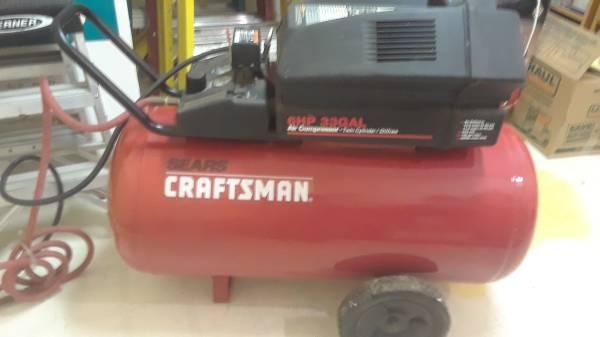 Photo 33 Gal. Portable Air Compressor, Craftsman - $120 (SE Portland)