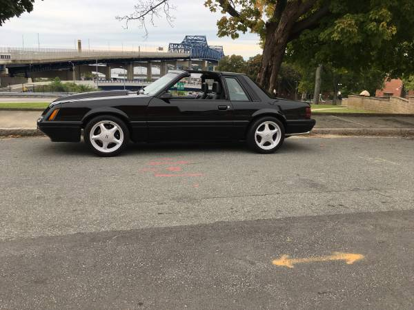 Photo 79-93 mustang parts (east coast)