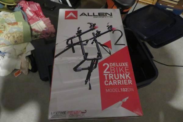 Photo Allen Sports Deluxe 2 Bicycle Trunk Mounted Bike Rack Carrier 102DN - $35 (hillsboro)