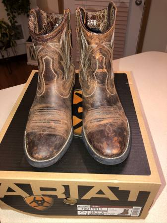 Photo Ariat Boots, Women39s 7.5 - $45 (East Vancouver)