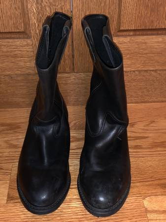 Photo Black Leather Boots size 10 W - $75 (Columbia River Gorge)