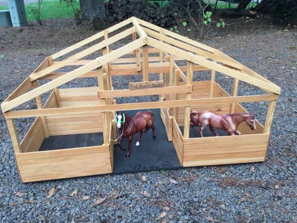 Photo Breyer Horse Barn - $30 (Molalla)