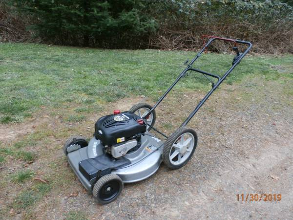 Photo Craftsman Lawn Mower, Self-Propelled, 21quot Side Discharge - $90 (Gaston, Or)