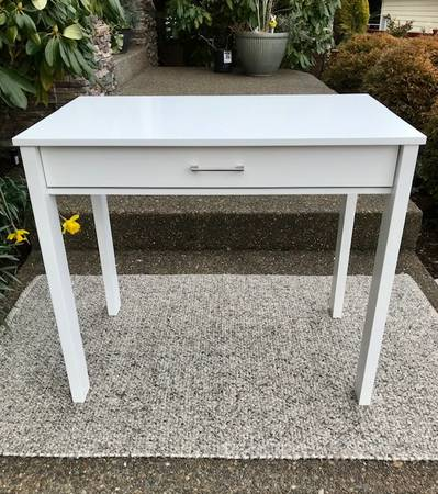 Photo Desk - Brand New - White  Great Size  Drawer - $145 (Tigard)