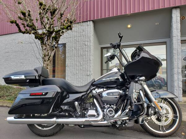 Photo FLAWLESS 2017 HARLEY FLTRXS ROAD GLIDE SPECIAL, 14quot BARS TOUR PAC ETC. - $19,999 (PDX  OMG MOTORSPORTS  YES WE BUY BIKES)