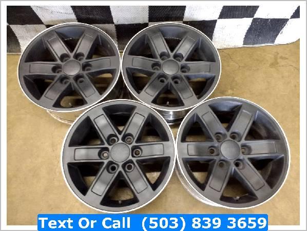 Photo GMC Yukon Chevy 1500 2500 Silverado Suburban Tahoe Wheels Rims 17 - $350 (portland)