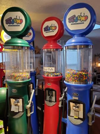 Photo Gas Pump Gumball Machine - $250 (West Linn)