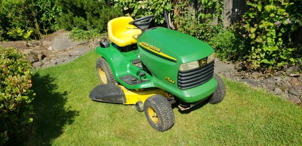 Photo John Deere LT155 - $950 (Gresham)