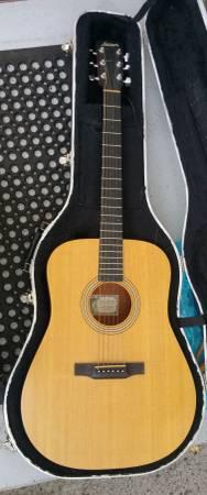 Photo Larrivee Acoustic Guitar - $500 (Portland)