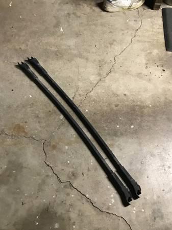 Photo Mercedes W124 factory cross bar roof racks e320 wagon 300e - $120 (N Portland)