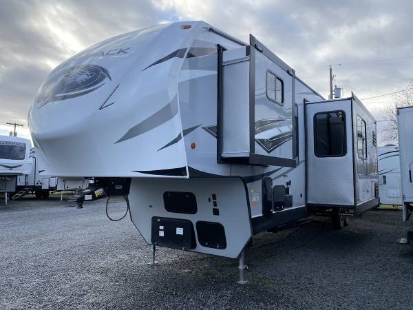 Photo New 2019 Forest River RV Cherokee Wolf Pack 365PACK16 - $59,675 (Creswell, OR Oregon West RV (541-972-5719))