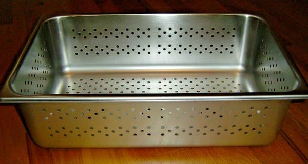 Photo New stainless steel steam table perforated pan restaurant kitchen - $20 (Chehalis)