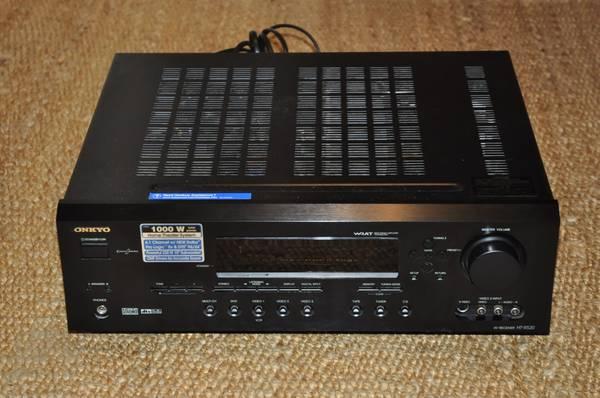 Photo Onkyo Model HT-R520 AV Receiver 1000 Watt Home Theater System - $80 (SW Portland)