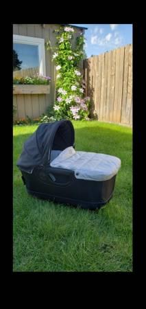 Photo Orbit baby G3 bassinet - $250 (vancouver wa)
