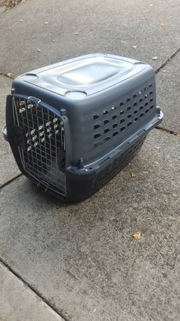 Photo Petmate Compass Kennel Dog and Cat Carrier Crate - $39 (South Beaverton)