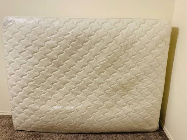 Photo Queen size IKEA SULTAN Spring Mattress - $120