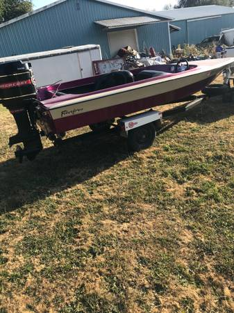 Photo Ski Boat with 100 HP Mercury Fiberform and Ez Loader Trailer - $2,195 (Oregon City)