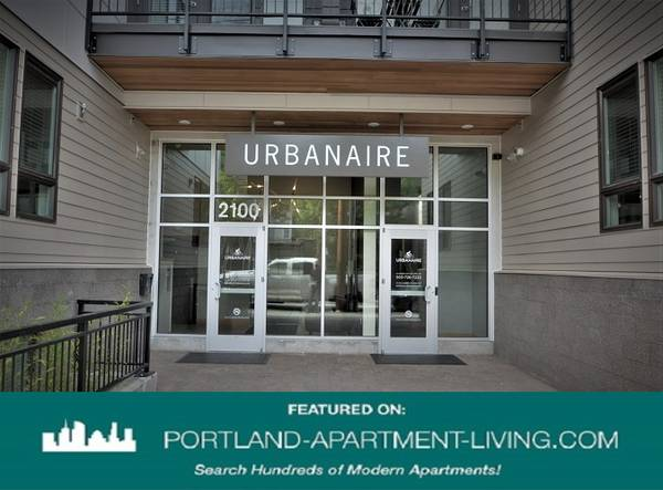 Photo Spacious layout, Built for Work from Home life Tour Urbanaire Today (SE Portland,Belmont,Buckman)