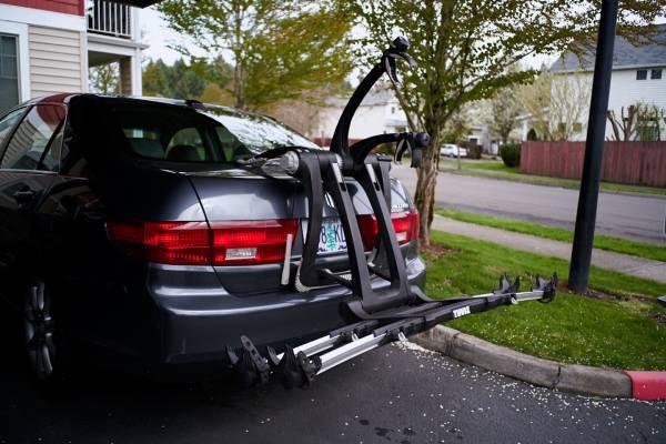 Photo Thule Raceway Bike Rack - trunkplatform type - $300 (Portland)