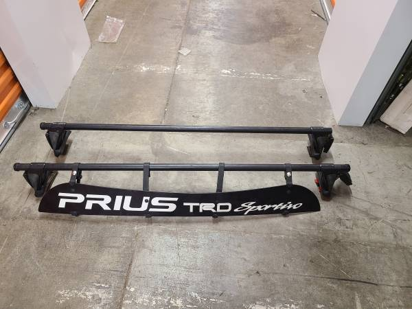 Photo Toyota Prius Yakima Roof Rack - $400 (Hillsboro)