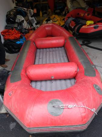 Photo Whitewater Raft,14 foot PVC, with frame and oars - $795 (Portland)
