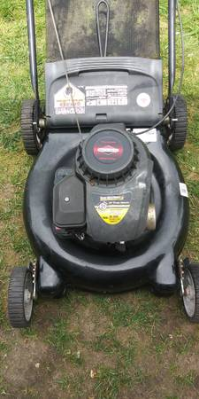 Photo Yard Machines 21quot push mower 158 CC - $50 (SE Portland)