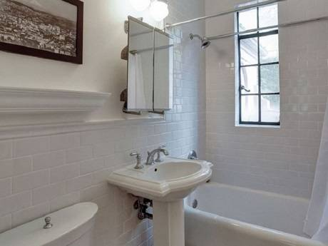 Photo (_ Downtown well furnished and equipped Studio Apartment in lt__ (Portland,OR)