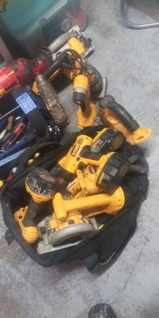 Photo dewalt 18 volt tool lots good - $45 (scappoose)