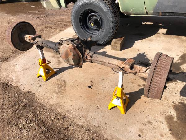 Photo 10 Bolt Rear Axle from 1986 Chevy Truck 6-Lug 3.08 Gears k5 k10 - $350 (Colchester)